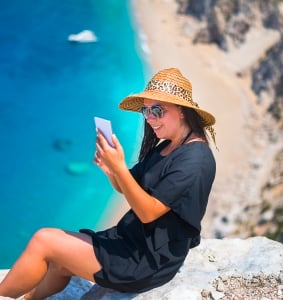 How much can you save on international roaming charges?